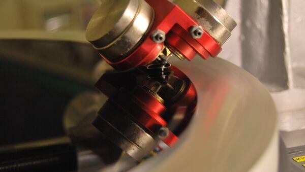 Vinyl record cutting machine на производстве в Санкт-Петербурге.