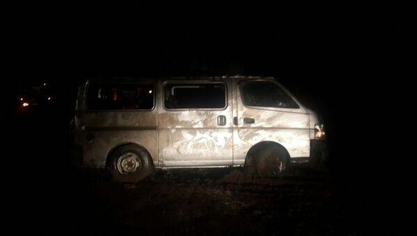 Автомобиль Nissan Caravan, перевозивший пассажиров из села Томтор в Якутск по трассе Колыма в Якутии. Архивное фото