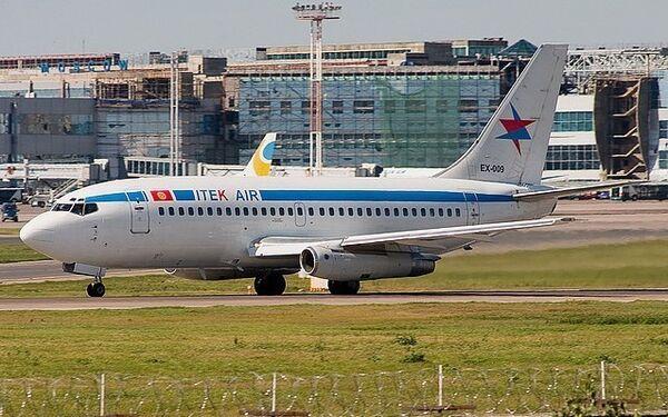 Самолет Боинг авиакомпании Итек-Эйр