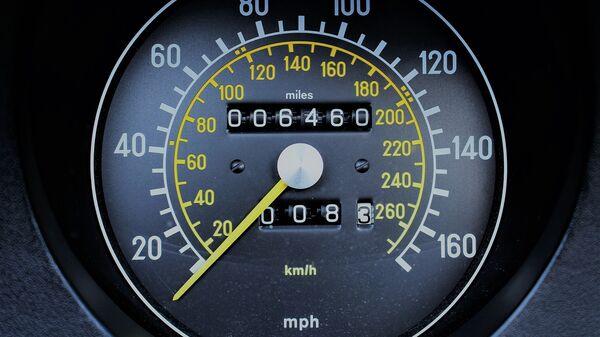 Информация о пробеге автомобиля на приборной доске