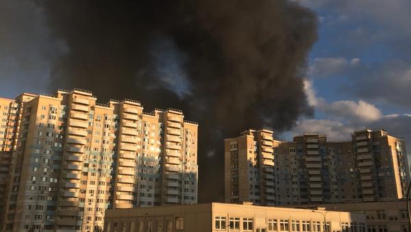 Пожар на строительном рынке Синдика. 8 октября 2017