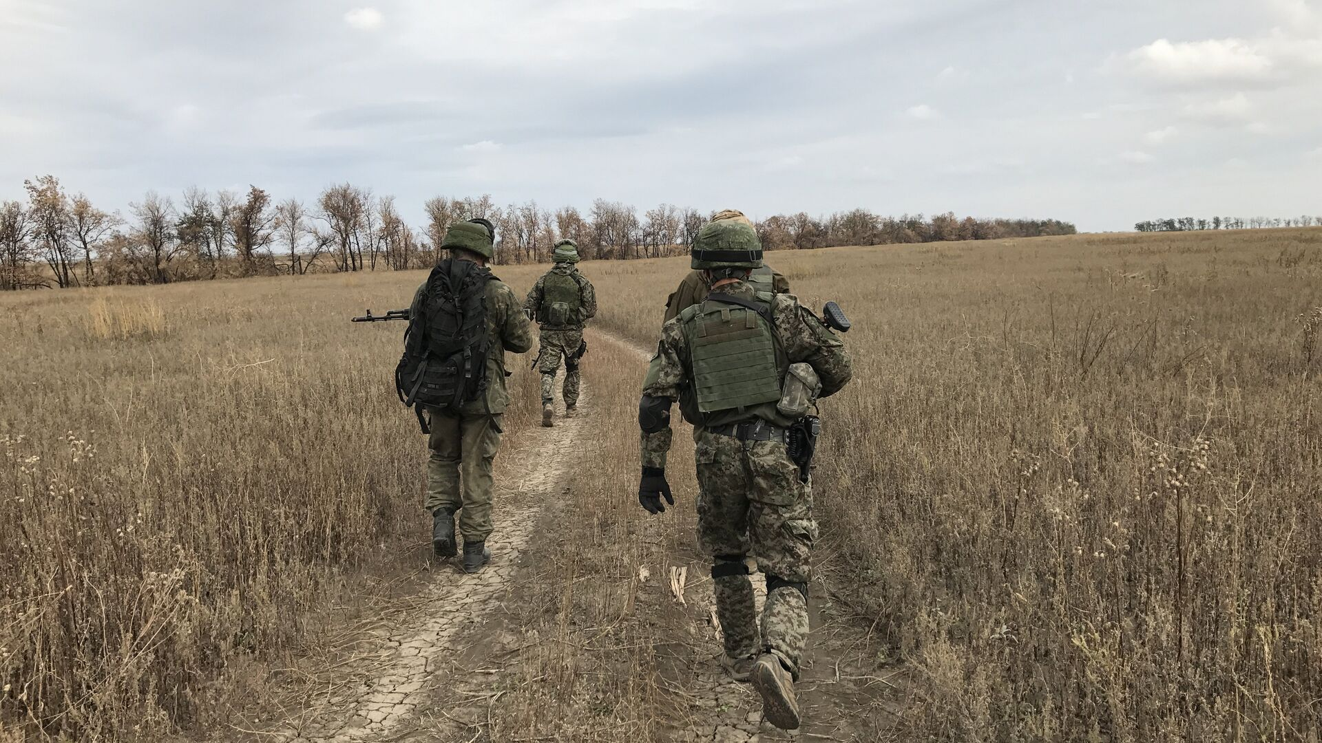 Бойцы разведывательно-штурмового батальона, Донбасс - РИА Новости, 1920, 14.04.2021