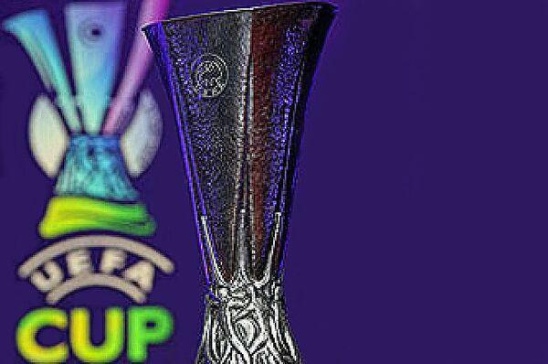Эмблема и кубок УЕФА