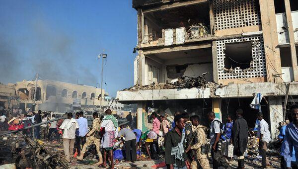 На месте врзыва в Могадишо в Сомали. 14 октября 2017
