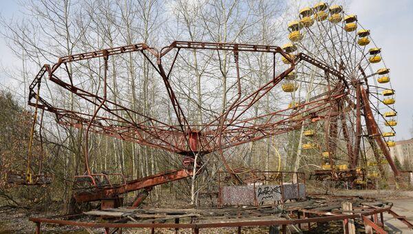 Аттракционы в заброшенном парке на территории зоны отчуждения Чернобыльской АЭС