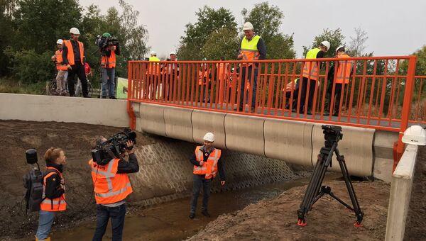 Первый напечатанный на 3D-принтере мост для велосипедистов открыли в городе Гемерт на юге Нидерландов