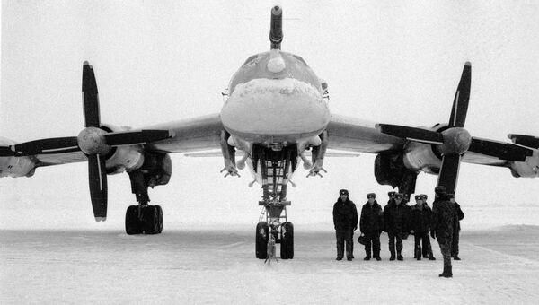 Стратегический бомбардировщик «ТУ-95» на аэродроме части дальней авиации