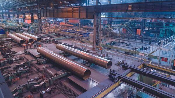 Производство труб для строительства газопроводаСеверный поток – 2 на заводе Europipe в Мюльхайме