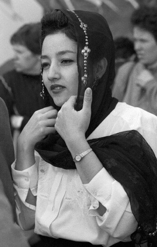 Юная мусульманка. Архив