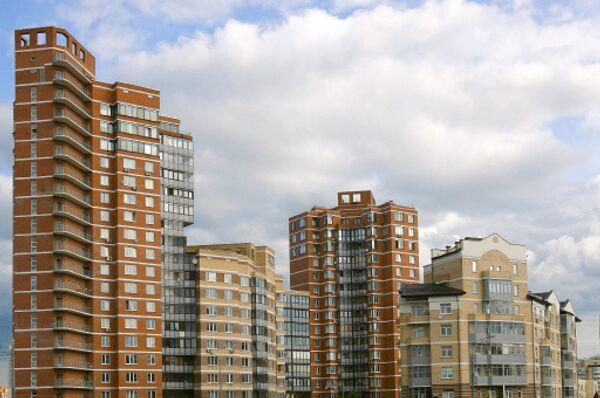 На российском рынке недвижимости стали расти и цены на жилье, и арендные ставки на торговые, офисные и складские помещения, а банки заявили о смягчении требований при выдаче кредитов