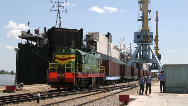 Конечный пункт на российской территории международного транспортного коридора Север-Юг - порт Оля Астраханской области