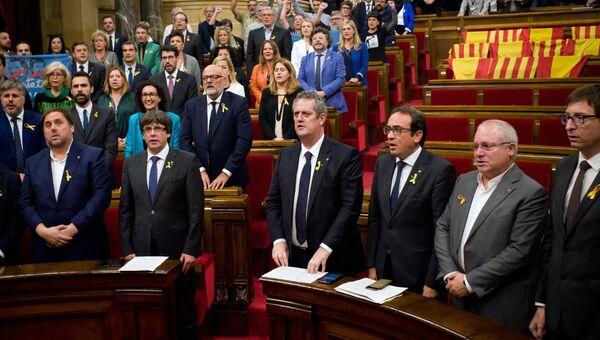 Заседание парламента Каталонии, на котором депутаты проголосовали за независимость от Испании. 27 октября 2017