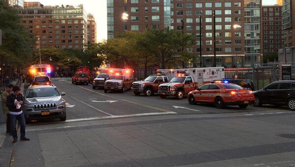 Автомобили специальных служб в районе места теракта в Нью-Йорке. 31 октября 2017
