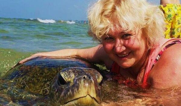 Светлана Елкина спасает черепах