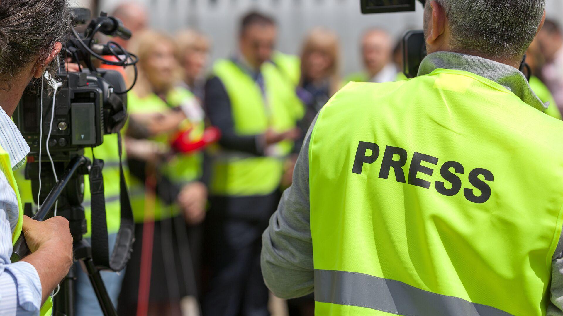 Совфед одобрил закон об ужесточении правил работы СМИ на публичных акциях