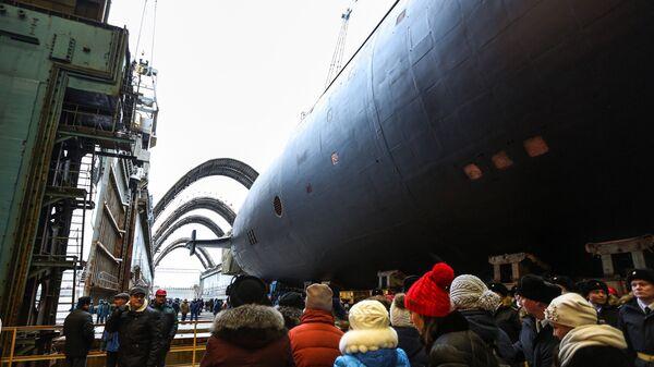 Торжественная церемония спуска на воду нового стратегического атомного подводного крейсера Князь Владимир в Северодвинске