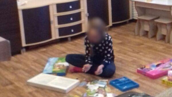 Фотография девочки, которая предположительно участвовала в совершении кражах из квартир