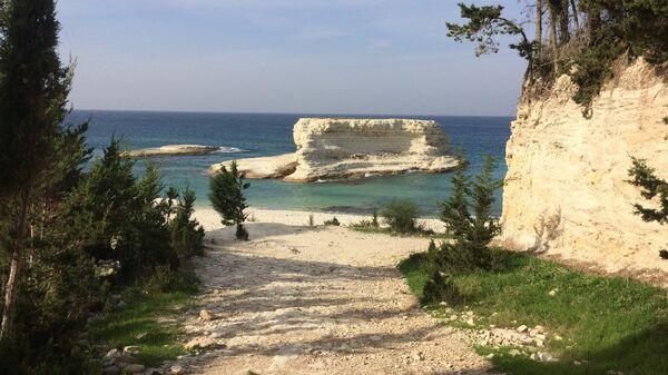 Побережье Средиземного моря в окрестностях Латакии