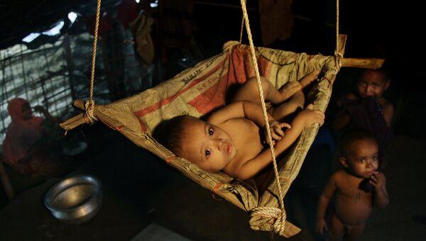 Ребёнок в лагере Балухали на границе Мьянмы и Бангладеш. Архивное фото