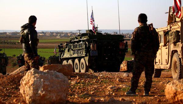 Конвой американских бронетранспортеров в Сирии