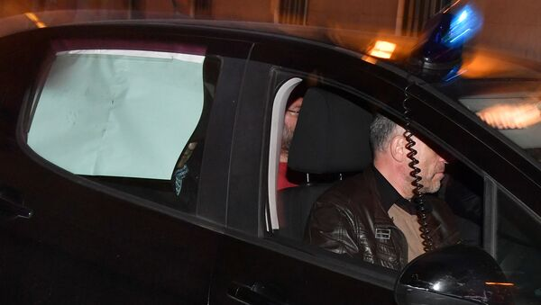 Сулейман Керимов в автомобиле французской полиции в Ницце. 22 ноября 2017