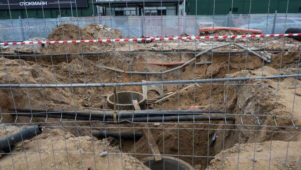 Обвал грунта на территории торгового центра Мега Теплый Стан