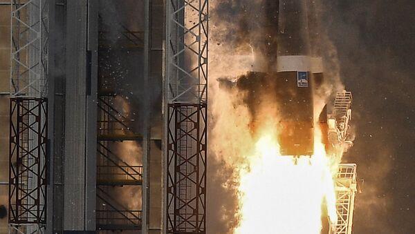 Старт ракеты-носителя Союз-2.1б с космическим аппаратом дистанционного зондирования Земли Метеор №2-1 и с 17 иностранными аппаратами с космодрома Восточный. 28 ноября 2017