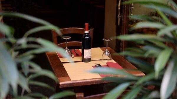 Бутылка вина в одном из ресторанов во Флоренции