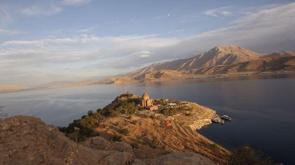 Озеро Ван в Турции