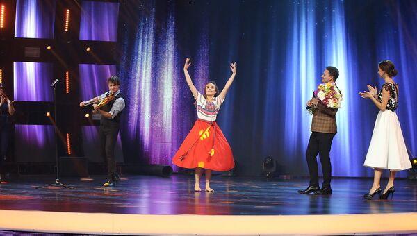Участница проекта Ты супер! Танцы и певец Александр Рыбак