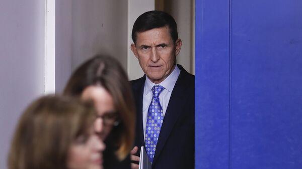 Cоветник по национальной безопасности Майкл Флинн на ежедневный брифинге в Вашингтоне