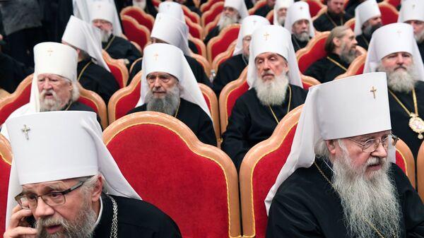 Православные архиереи на торжественном заседании Архиерейского собора Русской православной церкви