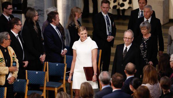 Беатрис Фин,лидер  Международной кампании за уничтожение ядерного оружия, прибывает  на церемонию вручения Нобелевской премии 2017 в Осло. 10 декабря 2017