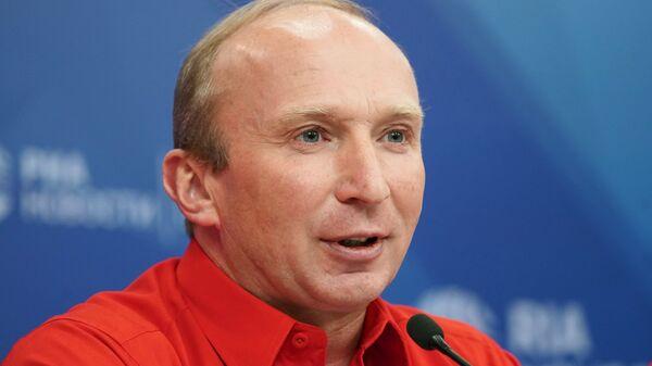 Руководитель проекта Шелковый путь Владимир Чагин на пресс-конференции. 11 декабря 2017