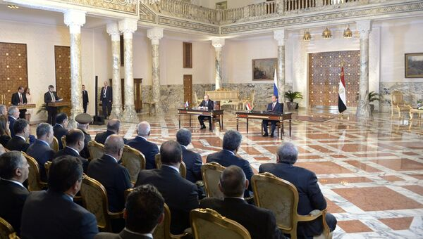 Президент РФ Владимир Путин и президент Египта Абдельфаттах Сиси  во время совместного заявления для прессы. 11 декабря 2017