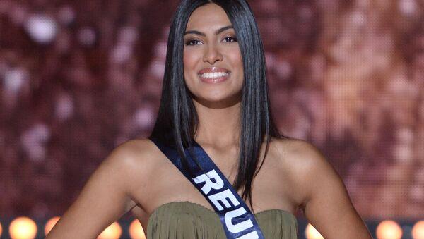 Мисс Реюньон Audrey Chane-Pao-Kan выступает во время конкурса Мисс Франция 2018 в Шатору, Франция. 16 декабря 2017 года