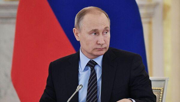 Президент РФ Владимир Путин на заседании Совета по культуре и искусству. 21 декабря 2017