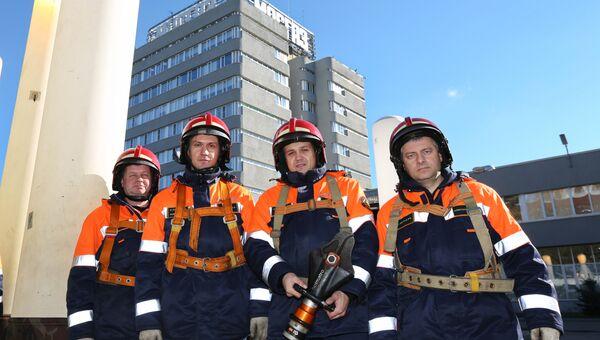 Во всех инженерных компаниях Комплекса городского хозяйства работает больше 650 аварийно-спасательных подразделений, всего в новогодние праздники на смену выйдет более 2 тысяч человек.
