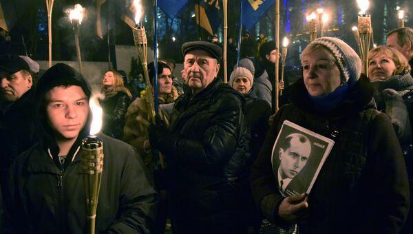 Участники марша националистов, приуроченного к 109-й годовщине со дня рождения Степана Бандеры, во Львове