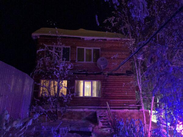 Дом семьи Исаковых. Суд потребовал замуровать окна на втором этаже, где находится детская