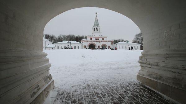 Передние ворота Государева двора на территории Московского музея-заповедника Коломенское