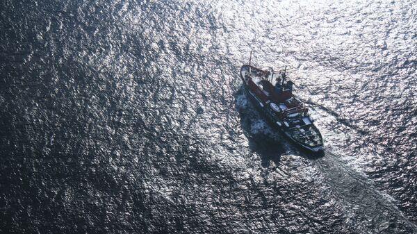 Поиски пропавшего судна в море