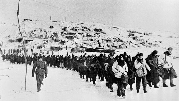 Пленные гитлеровцы под Сталинградом