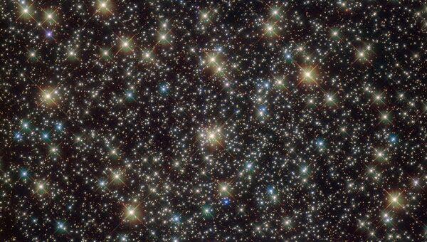 Снимок космического телескопа Хаббл древнего шарообразного кластера под названием NGC 3201