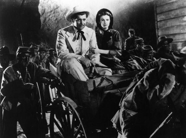 Вивьен Ли и Кларк Гейбл  в фильме Унесенные ветром. 1939