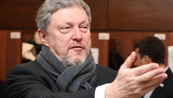 Кандидат в президенты РФ от партии Яблоко Григорий Явлинский. Архивное фото