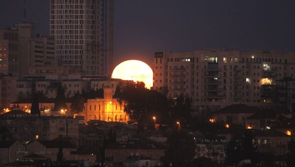 Заход Луны в Иерусалиме