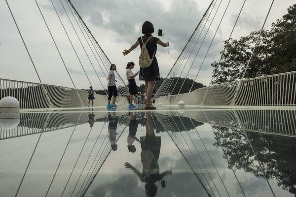 Мост храброго человека, Китай