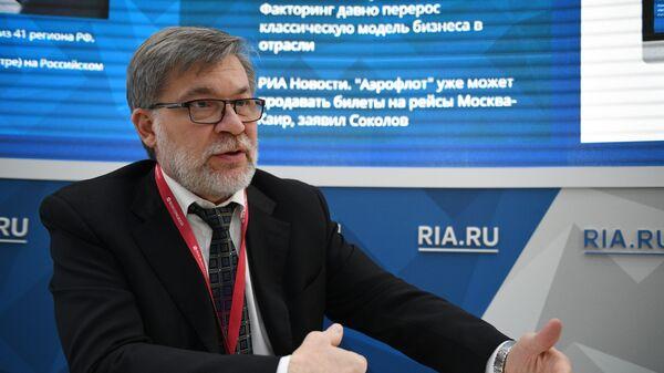 Заместитель руководителя ФАС России Андрей Цыганов во время интервью для сайта RIA.ru на Российском инвестиционном форуме в Сочи