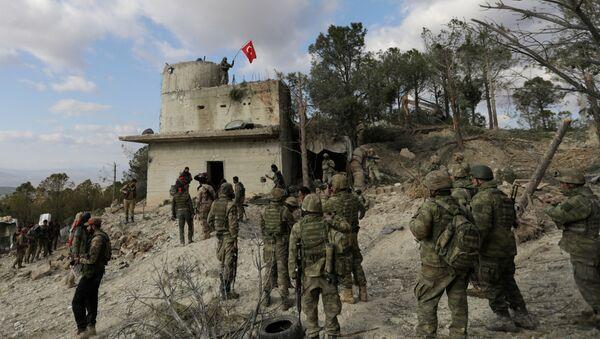 Турецкие военные в районе Африна
